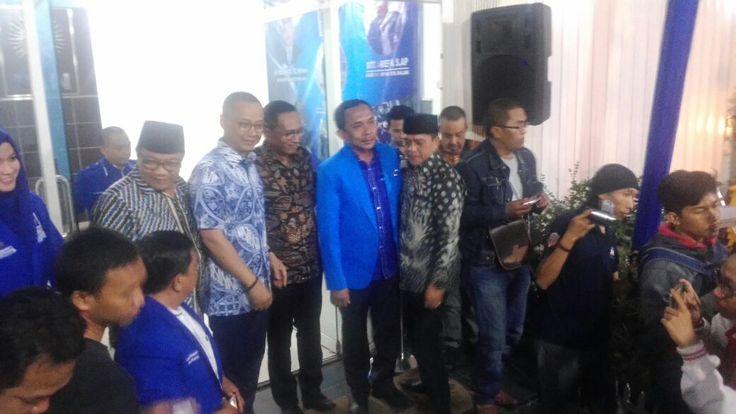 Terkait PAW Syaiful Rusdi, Ini Komentar Sekjen PAN https://malangtoday.net/wp-content/uploads/2017/01/WhatsApp-Image-2017-01-26-at-13.44.31.jpeg MALANGTODAY.NET – Sekertaris Jenderal (Sekjen) PAN, Edy Suparno menegaskan, PAW terhadap anggota DPRD Kota Malang, Syaiful Rusdi merupakan final. Pasalnya, keputusan tersebut telah dibuat oleh Mahkamah Partai, sebagai lembaga independen dengan tugas layaknya Mahkamah Konstitusi... https://malangtoday.net/malang-raya/terkait-paw