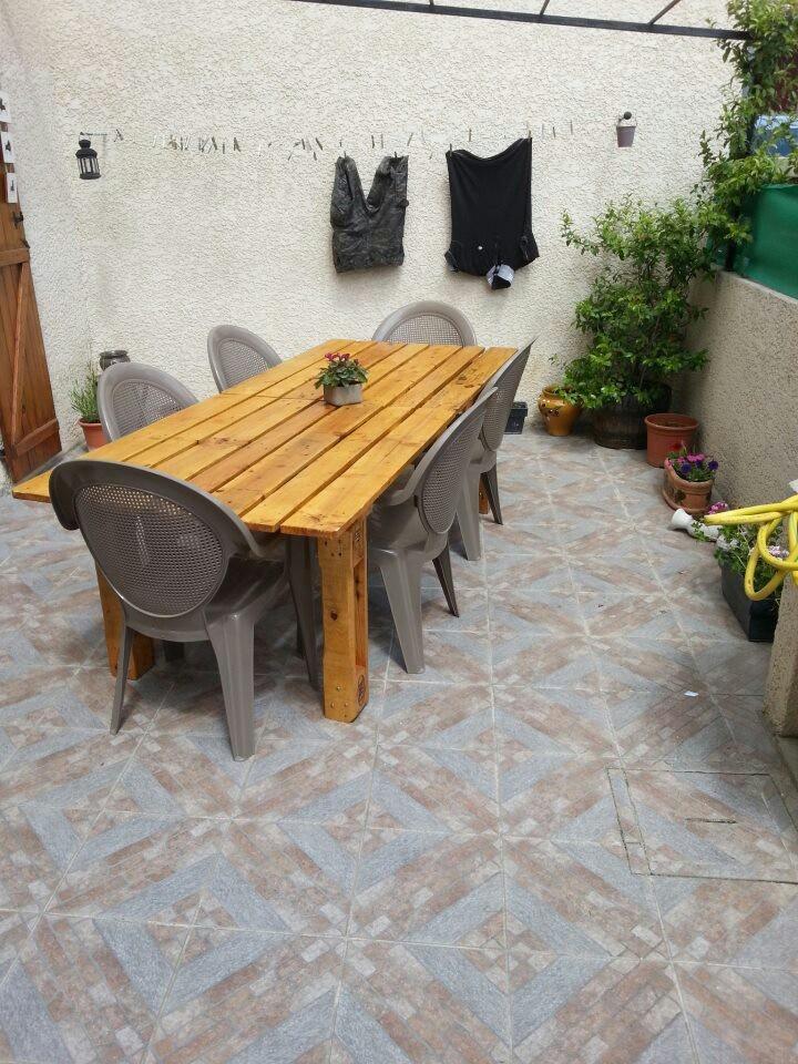 paletten tisch einfach alles wohnen deko garten pinterest paletten tisch tisch und. Black Bedroom Furniture Sets. Home Design Ideas