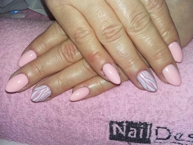 Nails like before and after ! This is a big transformation ;) This women never has so much long nails because she bite nails. #nails #semilac #ping #nude purple #stamping nail #pink peach milk #nail art