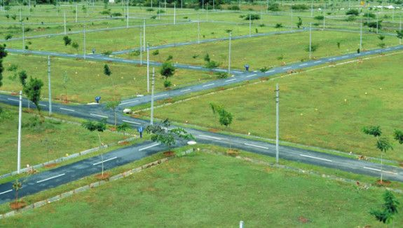 Buy open plots at Shamshabad near Rajiv Gandhi International Airport from Modi Builders, one of the top builders in Hyderabad who provides plots at reasonable prices. Visit us: http://www.modibuilders.com/current_projects/greenville/