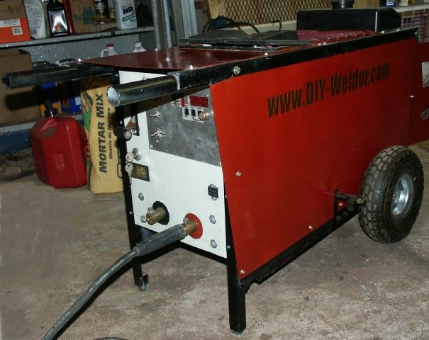 DIY Welder - Its a pretty awesome Idea, a welder made at home from a little more than an old an old ride on lawnmower and a slightly modified car alternator. Its the same idea as a Weldernator one attach to the engine of their 4x4 to fix stuff on the trail