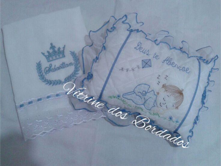Toalha fralda e travesserinho para o Príncipe Sebastian
