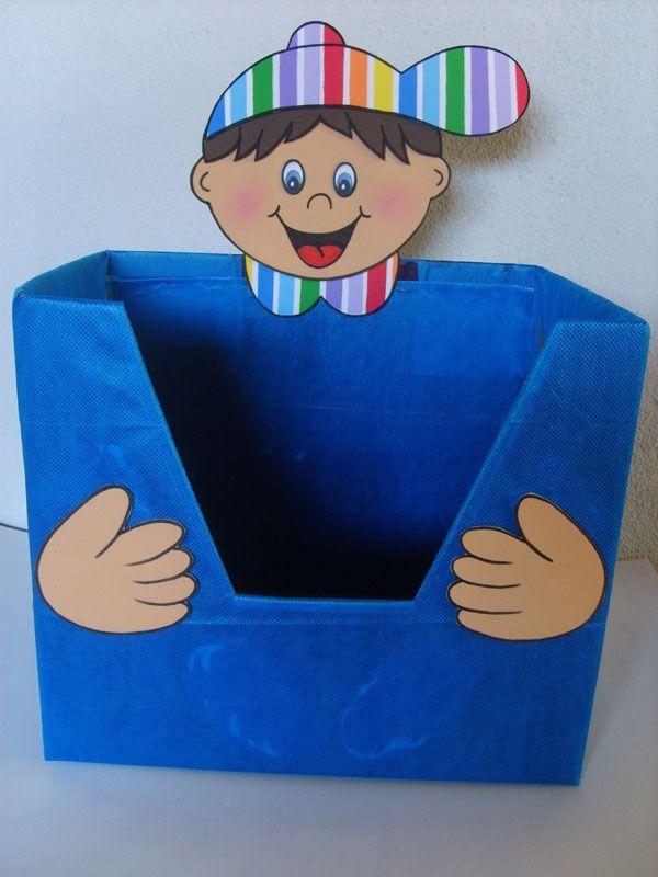 Caixa decorada para guardar livrinhos e fazer a mini biblioteca da sala de aula.