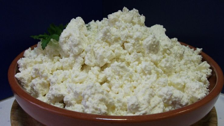 This is Tehéntúro it is like a farmer cheese. It is used in the filling of palacsinta and in the meal túroscsusza.