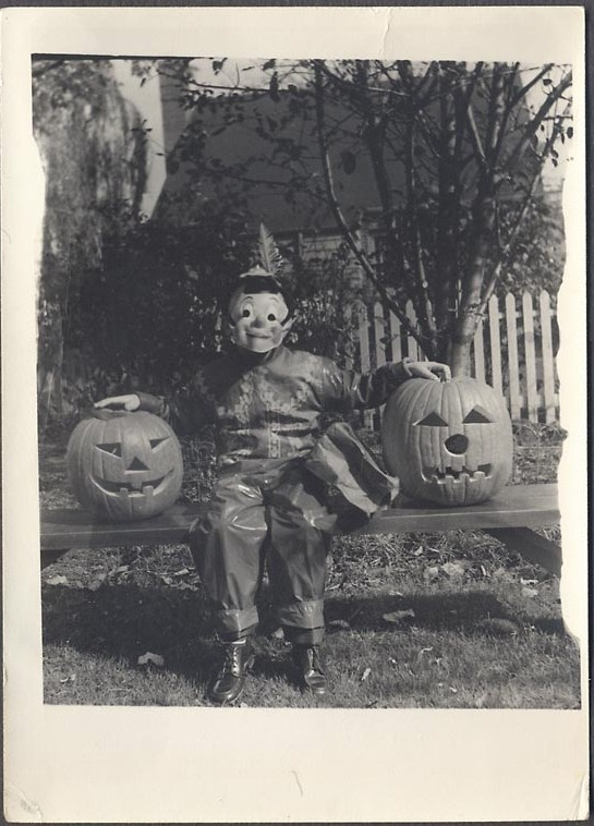 "Old Halloween Photo - ""clowns to the left of me, jokers to the right ... """