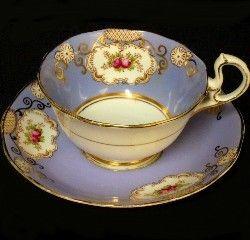 ** Šálek na čaj - krásně zdobený porcelán ♣ Royal Albert **