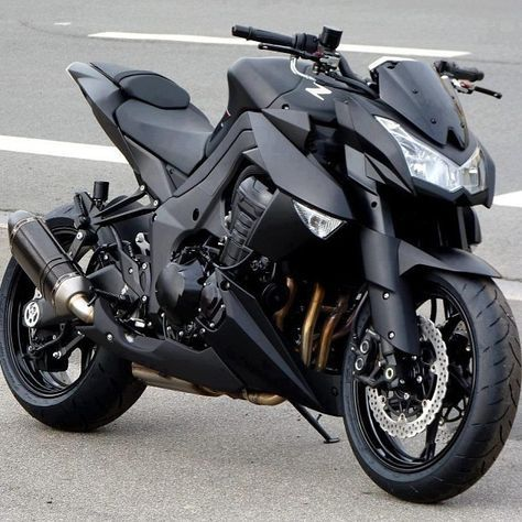 My next sport bike: Kawasaki Z1000 with modified exhaust system... Which eliminates the only weakness of the design.