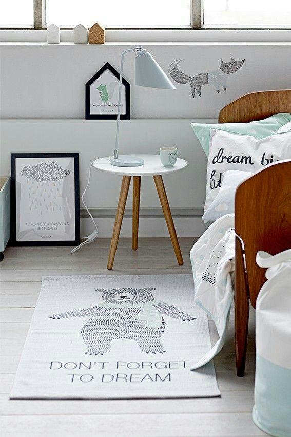 Dit vind ik wel heel leuk voor mijn zoontje. Maar dan met een ander kleed. Mint - grijs - wit - zwart.   Foto via www woonwinkelsiep.nl.  Bloomingville mini via