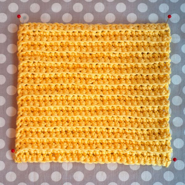This is such an easy crochet washcloth pattern. These are the BEST to wipe little faces with after a messy meal