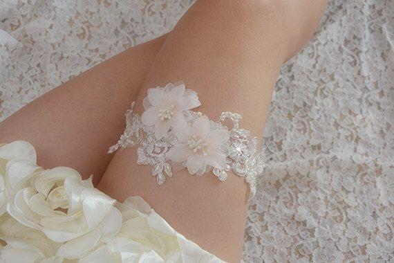 bridal garter, wedding garter, bride garter ,off-white  lace garter,,  beaded floral garter,light pink flower garter di annabrides su Etsy https://www.etsy.com/it/listing/184901136/bridal-garter-wedding-garter-bride