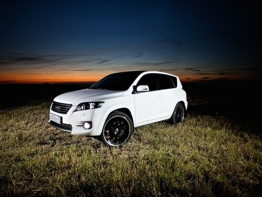 2010 Toyota Rav4 Iii White On R22 Wheels Toyota Tuning Tuned Amp Modded Cars Pinterest