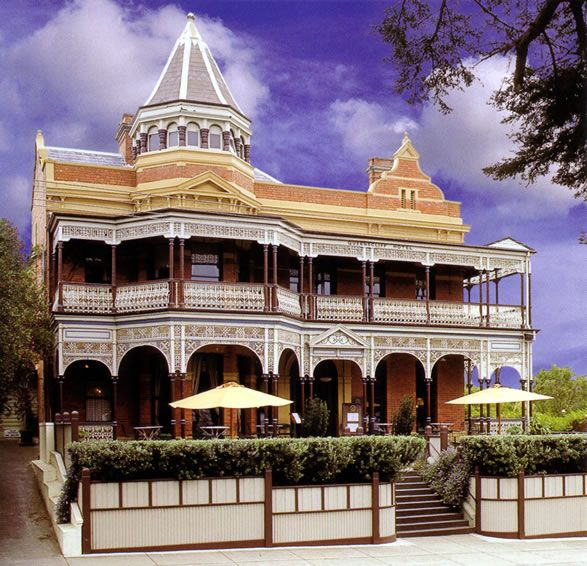 Queenscliff Hotel, Victoria, Australia... I have had dinner here and it was delightful!