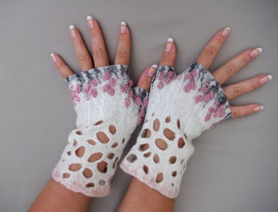 Felted Fingerless Mittens Arm warmers Gloves - White