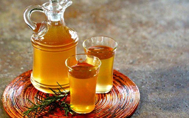 liquore di rosmarino e arancio preparato da noi.