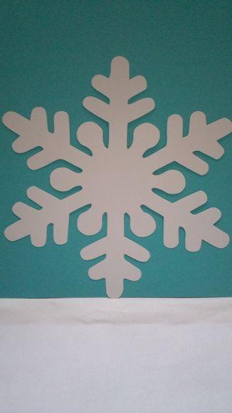 Floco de Neve tema Frozen da Disney. Confeccionado em papel 180g, O tempo de produção pode variar de 5 à 10 dias. Consulte! Este produto pode ser enviado por carta registrada. R$ 3,00