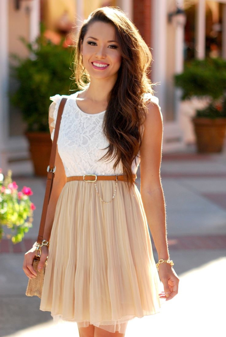 White lace + neutral skirt. Love this! Innocent, breezy..