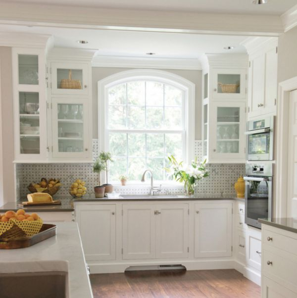 Best Traditional White Kitchen With Basketweave Backsplash 400 x 300