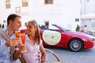 http://www.dolcevitahotels.com/wellnesshotels-suedtirol.de.htm  Dolce Vita Hotels in Südtirol. Wellnesshotels im Meraner Land.