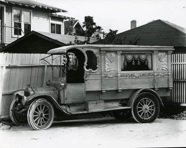Philbrick Funeral Home's antique hearse (1910) - Miami, Florida
