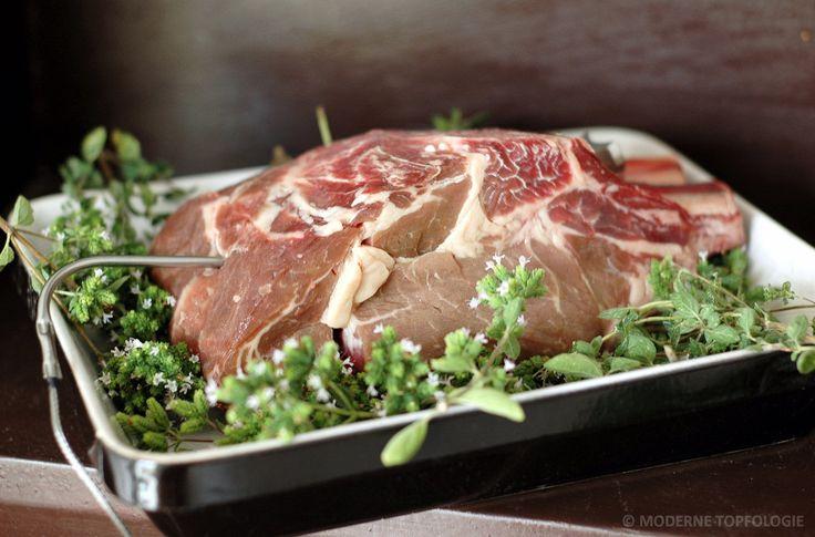 Fertig für den Ofen: Ein großes Ochsenkotelett vom Irish Hereford-Rind oder, wie der Franzose sagt, ein Côte de Bœuf.