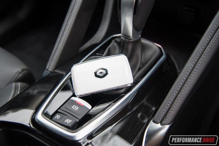 Renault Koleos vs Mazda CX-5: 2WD SUV comparison (video) | PerformanceDrive