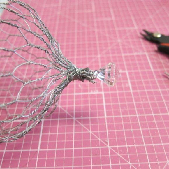 Tutorial: DIY Chicken Wire Cloche | Dollar Store Crafts | Bloglovin'