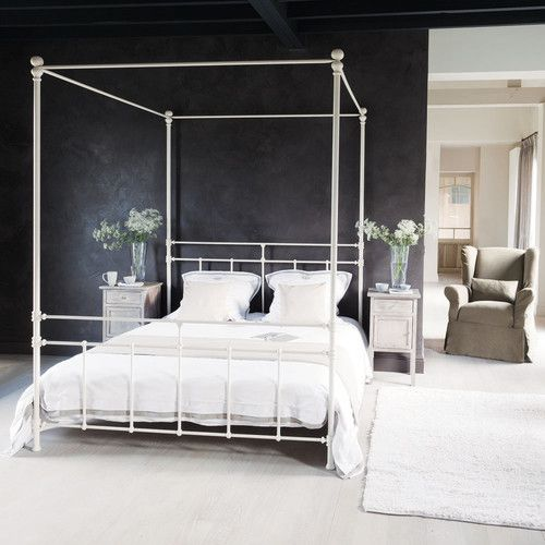 Metal 160 x 200cm king size four-poster bed in white