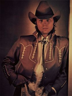 Dwight Yoakam~~looks vintage~~ I like it.