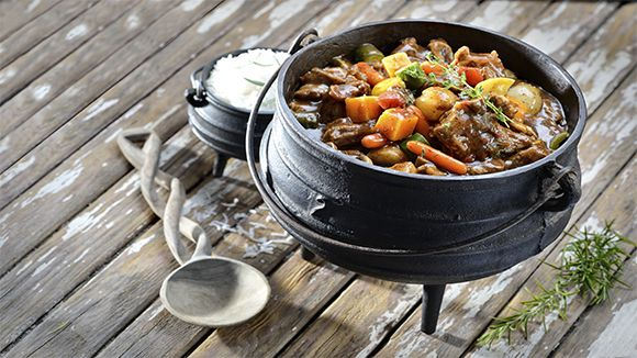 The perfect meal for a festive, outdoor family gathering – this potjie is packed full of rich, meaty taste!