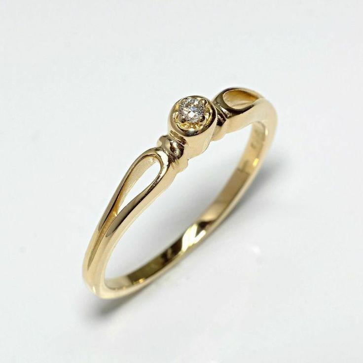 Inel de logodna ATCOM Lux cu diamant MIRANDA aur galben  Modelul poate fi fabricat si din aur alb, 14K  http://www.verigheteatcom.ro/inel-de-logodna-atcom-lux-cu-diamant-miranda-aur-galben_1017.html