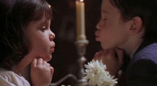 Querida Darla: Te odio y te aborrezco, me provocas el vómito, eres peor que la mugre. Te quiere: Alfalfa.
