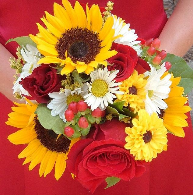 Sunflower And Pink Rose Bouquet Sunflower and R...