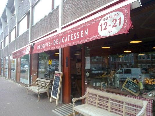 Lekkere broodjes en delicatessen. Oceaan Deli - C. van Eesterenlaan 21-23 Amsterdam