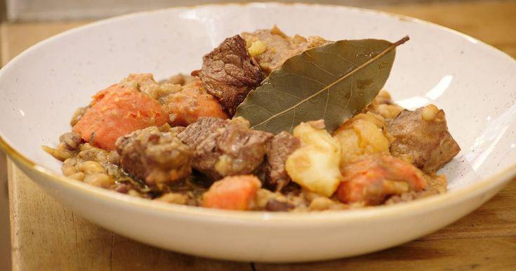 Cholent is een typisch gerecht dat de chassidische joden rond Pasen bereiden.