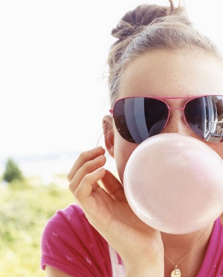 Summer Lovin': Pink Summer, Color Splashes, Senior Pics, Pink Bubbles, Girls Blowing Bubblegum, Bubblegum Senior Pictures, Photography, Bubble Gum, Blowing Bubbles Gum