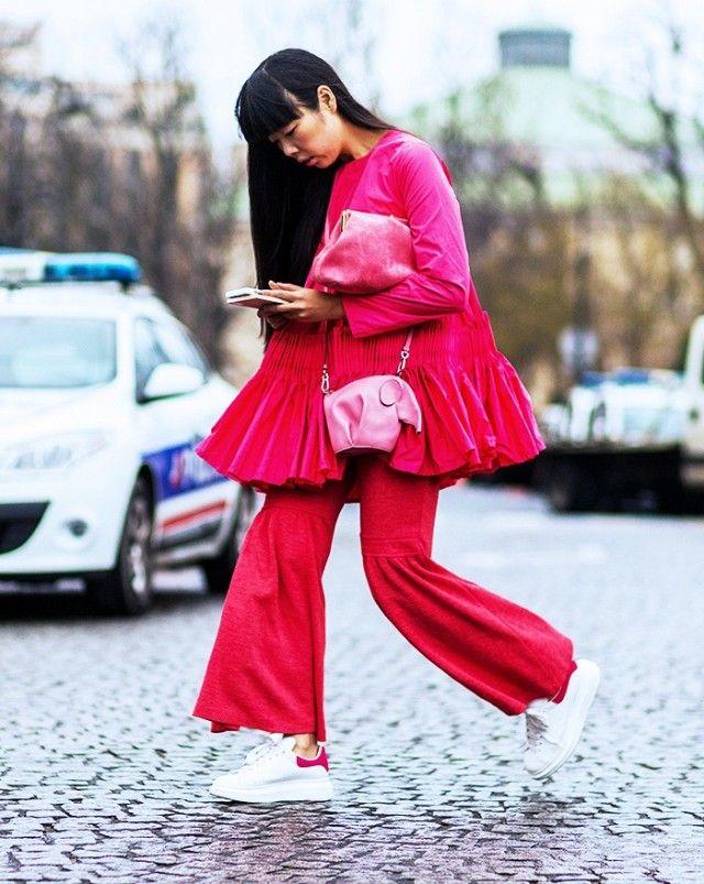 Great red flares as seen on Susie Bubble   I pantaloni a zampa rossi indossato da Susie Bubble
