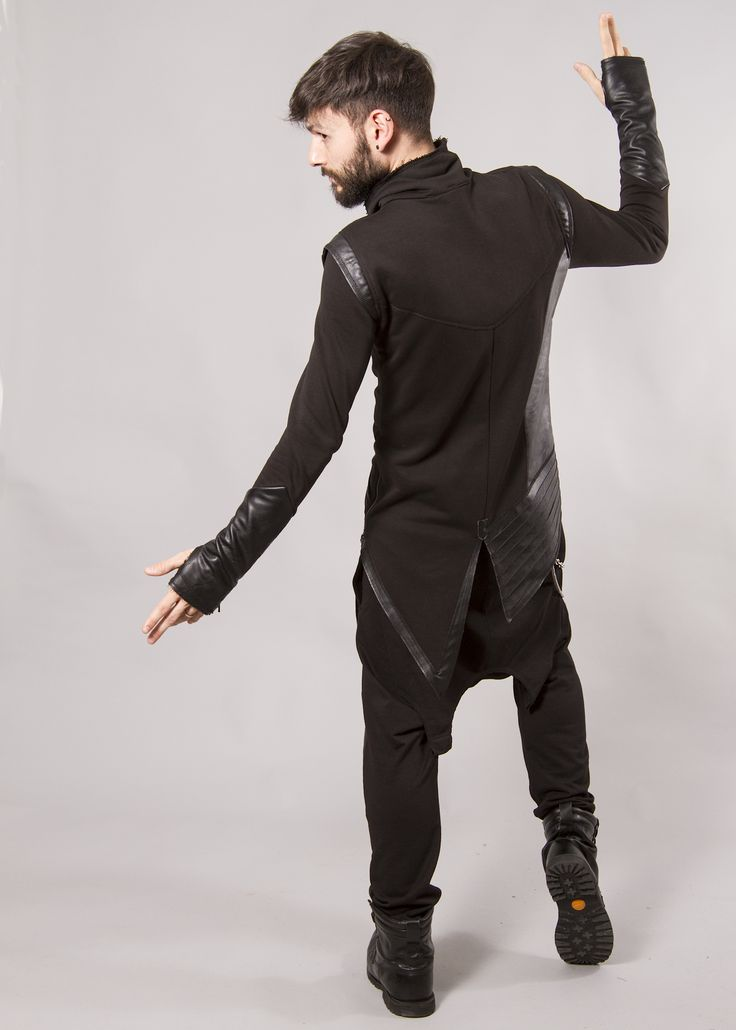 JACKET URBAN BLACK#cool #voguemagazine #darkfashion #avantgarde #allblack #beard #fashionmen #fashion #fashionblogger #avantgarde #avantgardefashion #madebyartist #urban #style #trendsfashionboutique #casualstyle