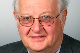 Nobel Prize in Economics: Who is Angus Deaton? - Real Time Economics - WSJ