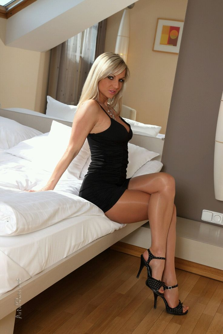 Lbd Pantyhose And Sitting On Bed Sexy Pic Lbd
