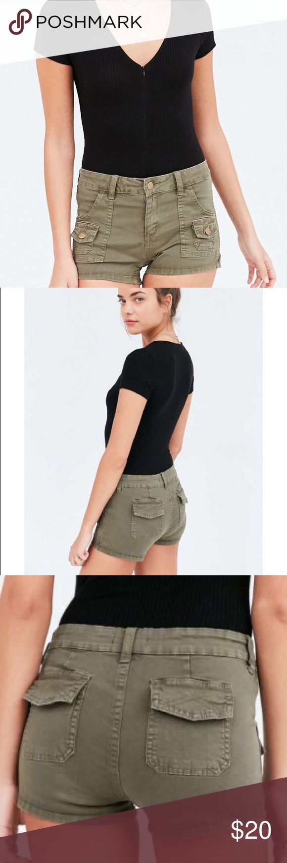 Hipster High Rise BDG Short from UO Hipster High Rise BDG Utility Short from UO! Green Dana high-rise utility shirt features a button zip fly closure with 6 various pockets, Fitted + short for a flirty finish.  Cotton/Spandex Mix; SIZE 27 Urban Outfitters Shorts Jean Shorts
