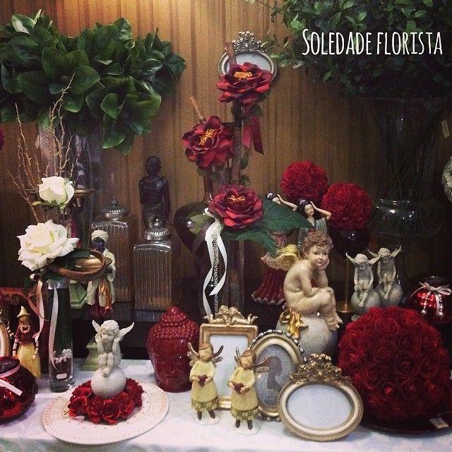 Elementos decorativos para ambientes românticos! #soledadeflorista #decoração #decor #portugal