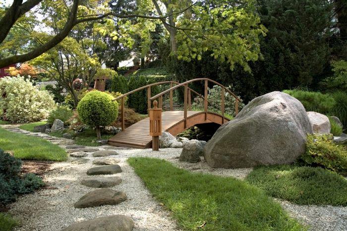 Les 25 meilleures id es de la cat gorie pont en bois sur for Parterre de fleurs zen