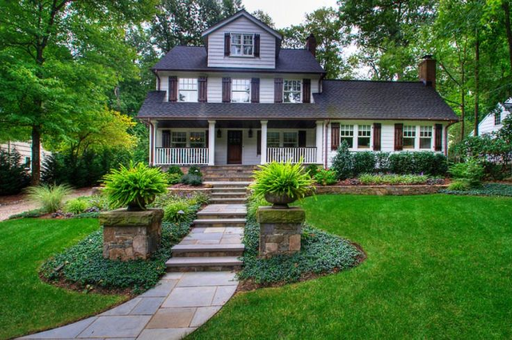 Simple Green Front Yard Landscaping looks Modern  - http://mostbeautifulgardens.com/simple-green-front-yard-landscaping-looks-modern/