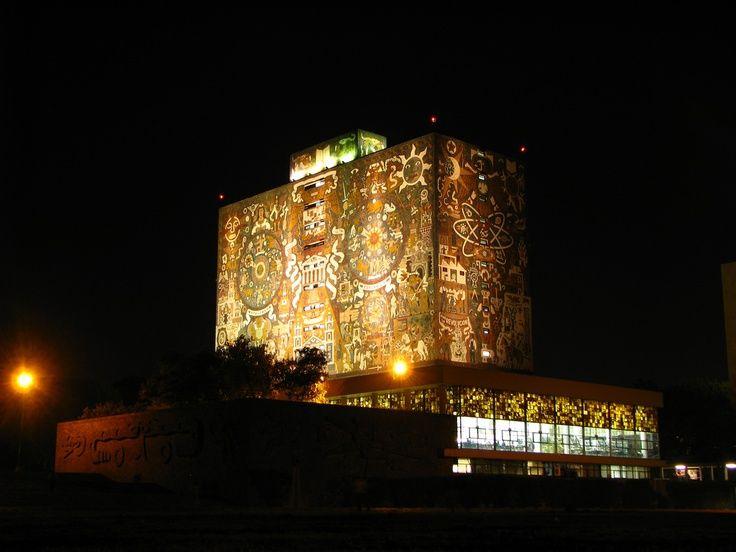 Con 80,000 volúmenes se inauguró la Biblioteca Central de la UNAM en 1956, actualmente con el uso de las nuevas tecnologías se ha agrandado el acceso a el acervo cultural que resguarda.