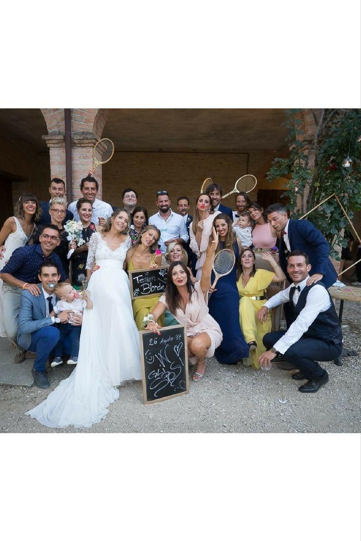 Foto di gruppo al matrimonio di Alessandra e Federico   Villa Corte [Dove Vuoi Catering - Villa Rota]