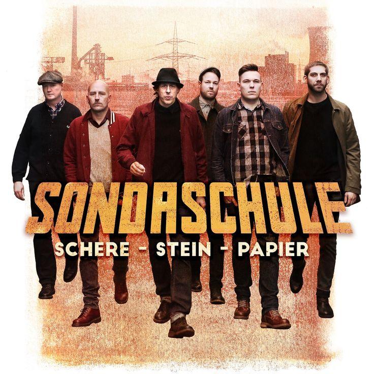 https://polyprisma.de/wp-content/uploads/2017/07/Sondaschule-Schere-Stein-Papier.jpg Sondaschule - Schere - Stein - Papier https://polyprisma.de/review/sondaschule-schere-stein-papier/ Ska-Pop-Punk aus dem Ruhrgebiet mit Textkeule Seit der Gründung der Band 1999 hat Sondaschule aus dem Norden des Ruhrgebiets mit sechs Alben erstaunlichen Erfolg für sich verbucht. Erstaunlich deshalb, weil Punk und Ska eigentlich nicht zu den beliebtesten Musikrichtungen der Republik geh�