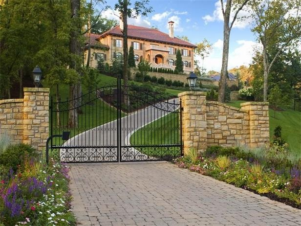 37 best images about gated entry on pinterest side gates for Nashville tn celebrity homes