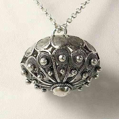 Il bottone sardo - la storia del gioiello dell'arte orafa sarda tra tradizioni e leggende