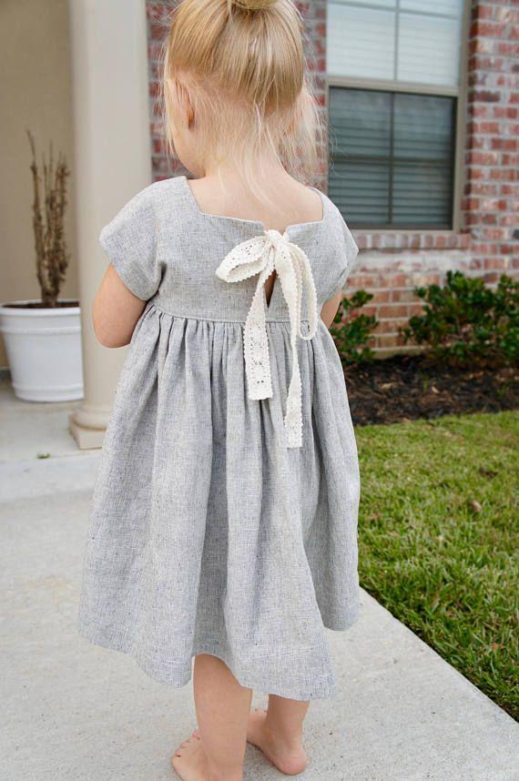 Hübsche handgemachte Leinen Kleinkind Kleid, kleines Mädchen Kleid, Leinenkleid, Kleid mit …   – Little Girl Fashion