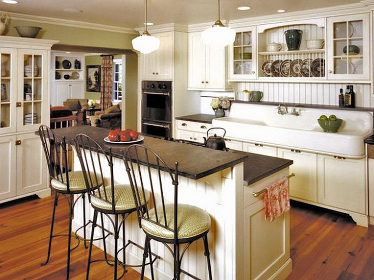 Cottage Kitchen Farmhouse Decorating - perfect for a kitchen.  Need to really figure out my kitchen...:)  This is fun!
